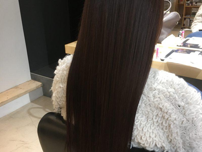 色の抜けきった髪も綺麗な艶髪に。